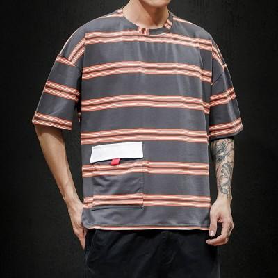 Camiseta com Estampa...
