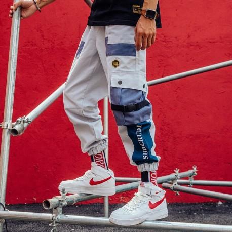 Calça Jogger Streetwear Masculina com Bolso Lateral Cargo Cintura Elástica Estampa Color Block