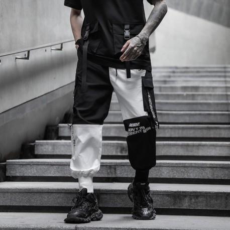 Calça Streetwear Masculina com Estampa em Color Block com Bolso Lateral Cargo Cintura Elástica