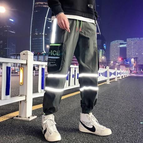 Calça Refletiva Masculina com Estilo Jogger Streetwear com Listras Lateral Bolso Cargo Lateral