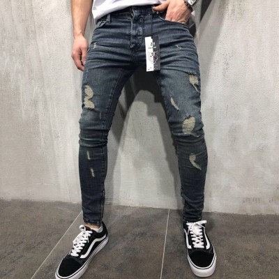 Calça Jeans com Rasgos...